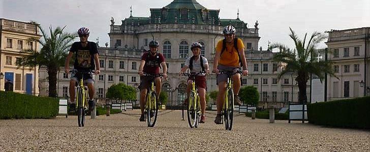 PedalaTo – La Palazzina di Caccia di Stupinigi in E-bike (Royal E-Bike Tour)